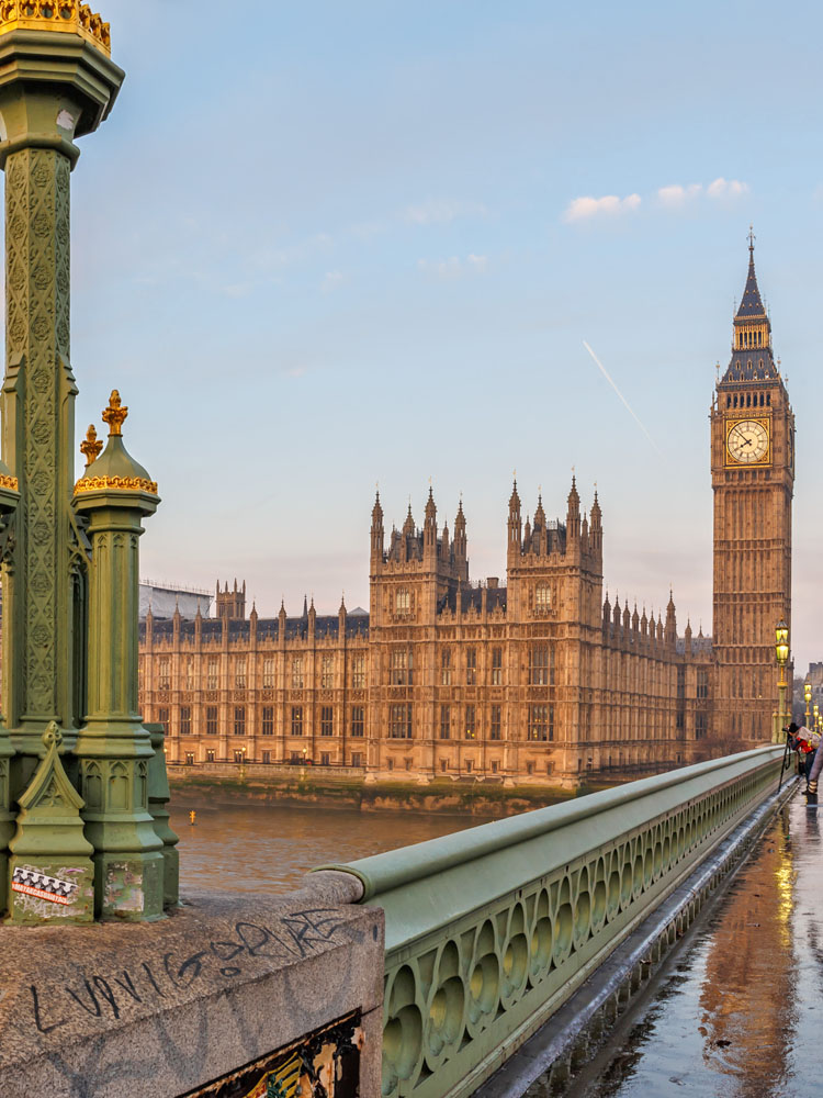 Moving to Britain? Here's What to Expect.